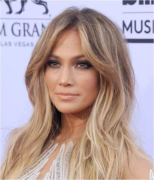Jennifer Lopez Chopped Her Hair f