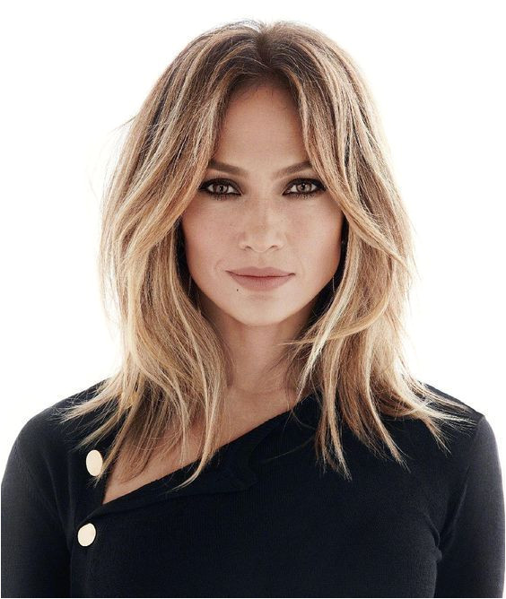 Jennifer Lopez s Middle Parted Blonde Hair
