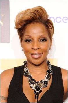 """Mary J Blige s Singer Mary J Blige performs onstage at the Hope Help & Relief Haiti """"A Night Humanity"""" event at Urban Zen on February 2010 in"""