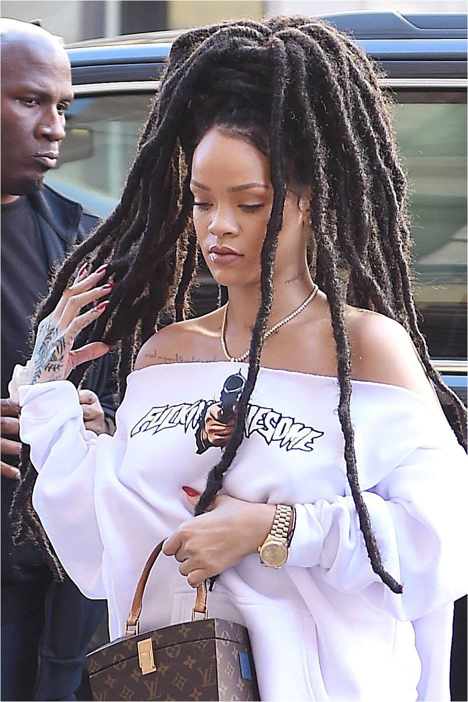 NEW YORK NY OCTOBER 06 Rihanna is seen on October 6 2016 in New York City by NCP Star Max GC BraidedHairstyleForBlackWomen