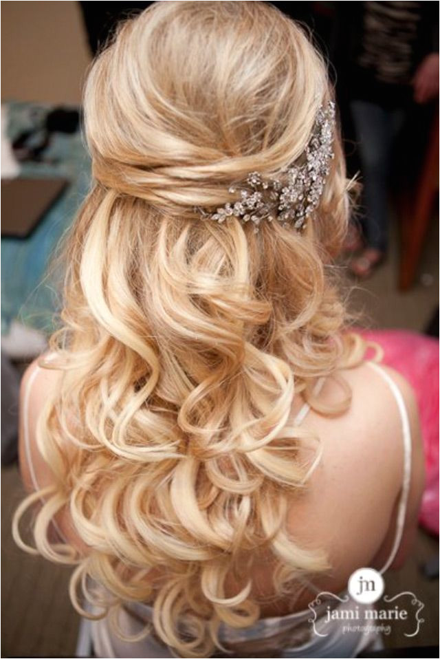 15 Fabulous Half Up Half Down Wedding Hairstyles we ❤ this moncheribridals