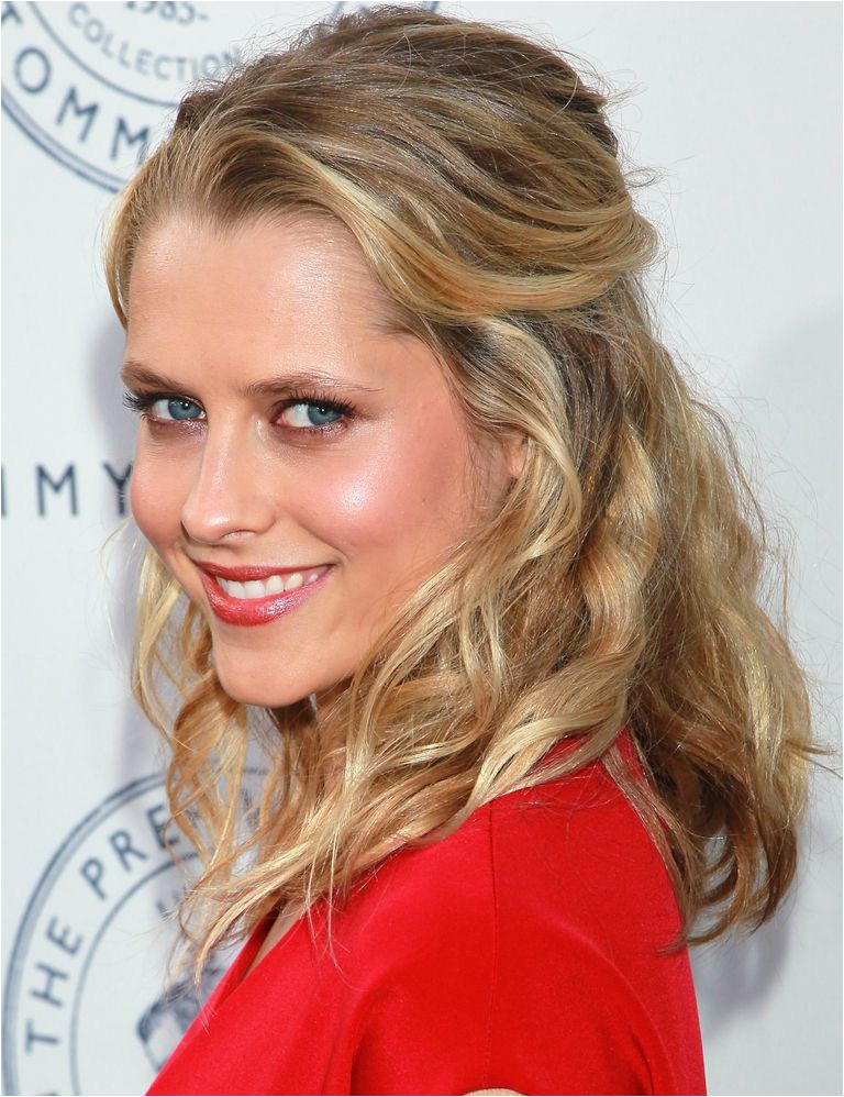 Teresa Palmer prom hairstyles