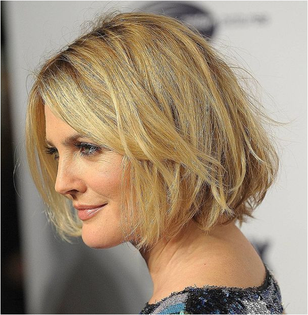 Short Haircuts For Women Over 40 With Fine Hair Awesome