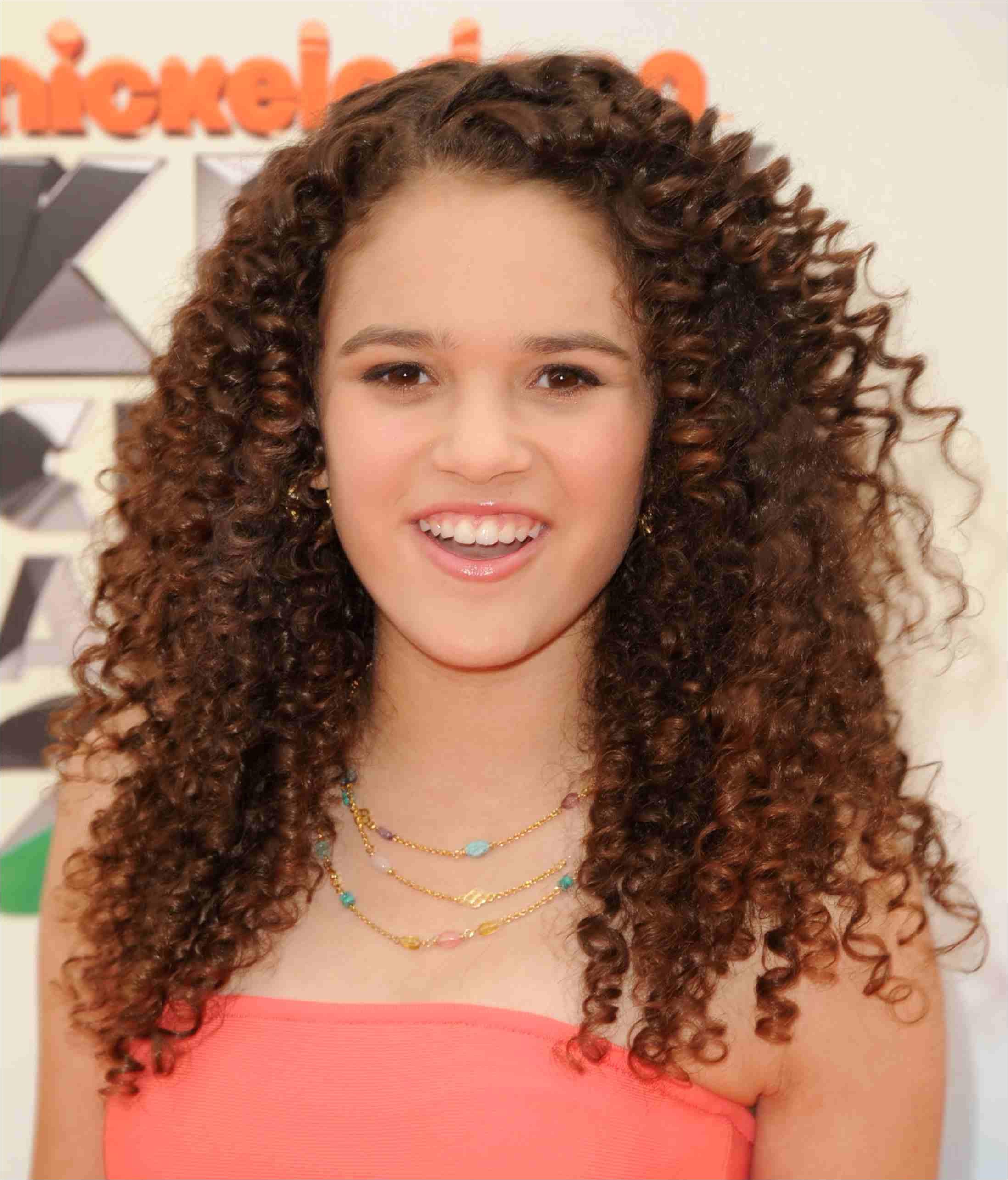 madison pettis curly hair 56a f9b58eba4b