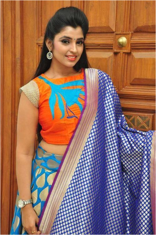 Pic of puff hairstyle for ghagra choli
