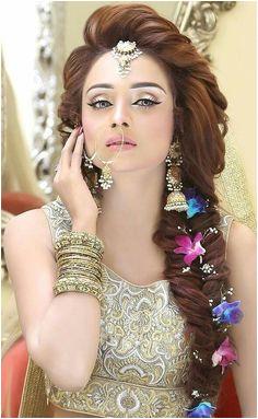 Beautiful girl Engagement Hairstyles Wedding Hairstyles Mehndi Hairstyles Pakistani Bridal Hairstyles Pakistani