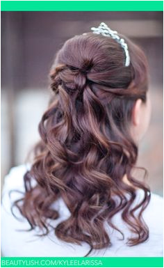 Half up princess type wedding look with tiara Sweet 16 Hairstyles Pretty Hairstyles Loose