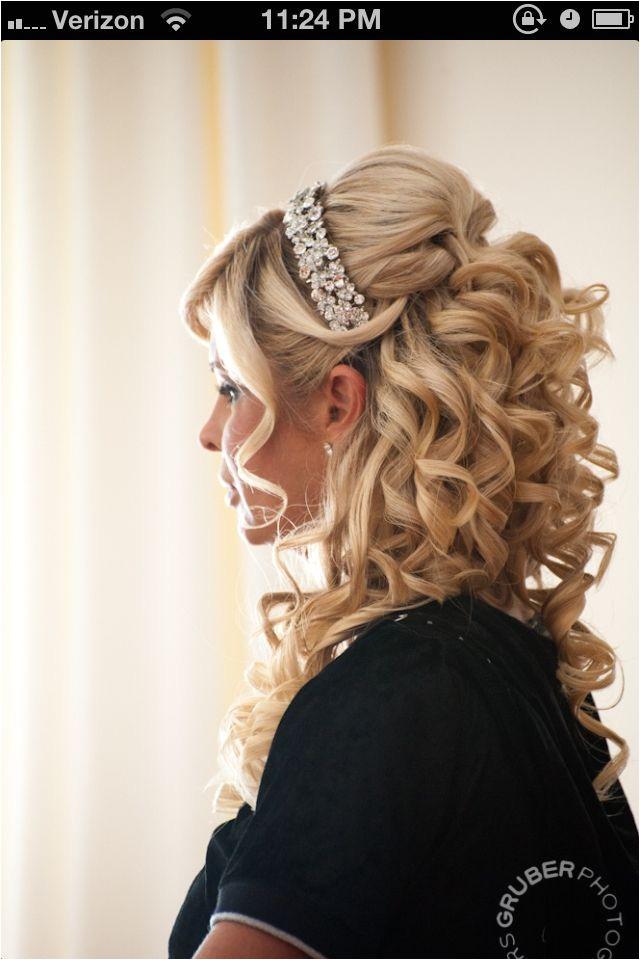 72c9b38a832e06e75ffb d6ea1ff hair styles for wedding wedding stuff