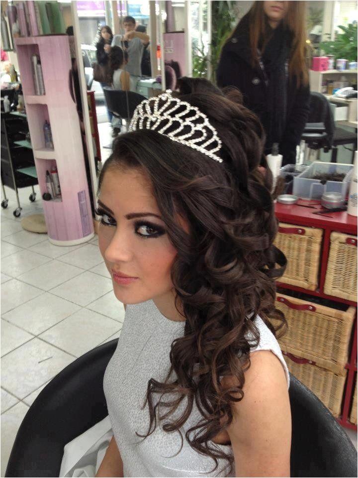 6fedb9efd adb865c9febb290 sweet hairstyles tiara hairstyles