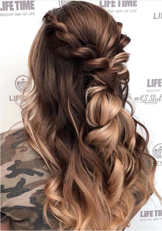 Looking for best hairstyles to highlight your beauty See here and find our most amazing and cutest half up balayage hairstyles ideas for 2019