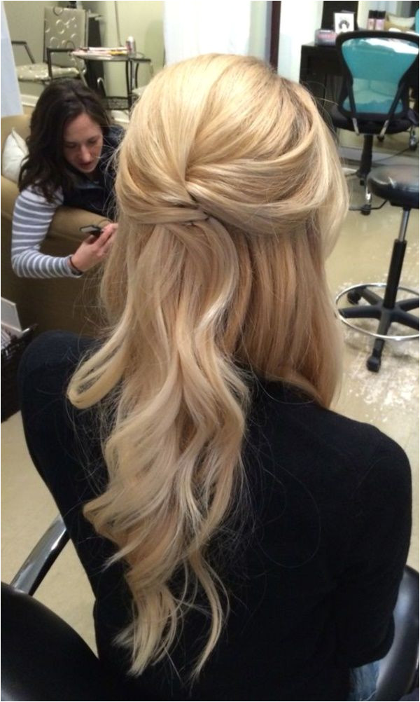 Everyone s Favorite Half Up Half Down Hairstyles 0271 Hair Pinterest