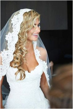 lace white wedding veil with long curly blonde hair downsangmaestro sangmaestro beautiful wedding veils lace