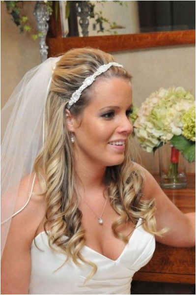 Wedding hair half up with flower and veil Wedding Diary
