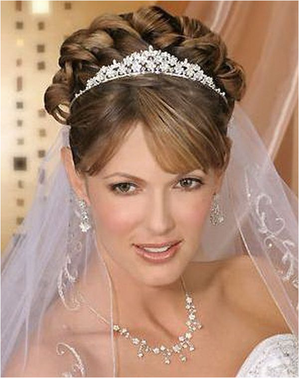 wedding hairstyles for short hair with veil and tiara 1