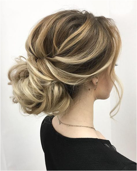 Textured wedding updo hairstyle messy updo wedding hairstyles chignon messy updo hairstyles bridal updo wedding weddinghair weddinghairstyles