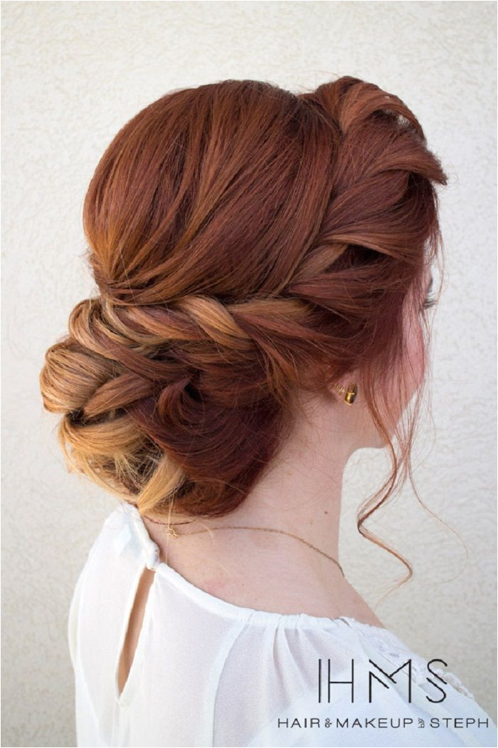Chic Twisted updo hairstyle This stunning updos wedding hairstyle for medium length hair is perfect for wedding day 100s wedding hairstyle ideas