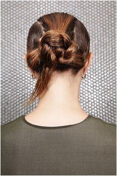 Keine Zeit zum Föhnen 4 Nasshaar Frisuren für lange Haare im Sommer