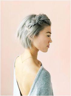 8 Frisuren für du nur eine Minute brauchst refinery29 Graue Haare Abdecken