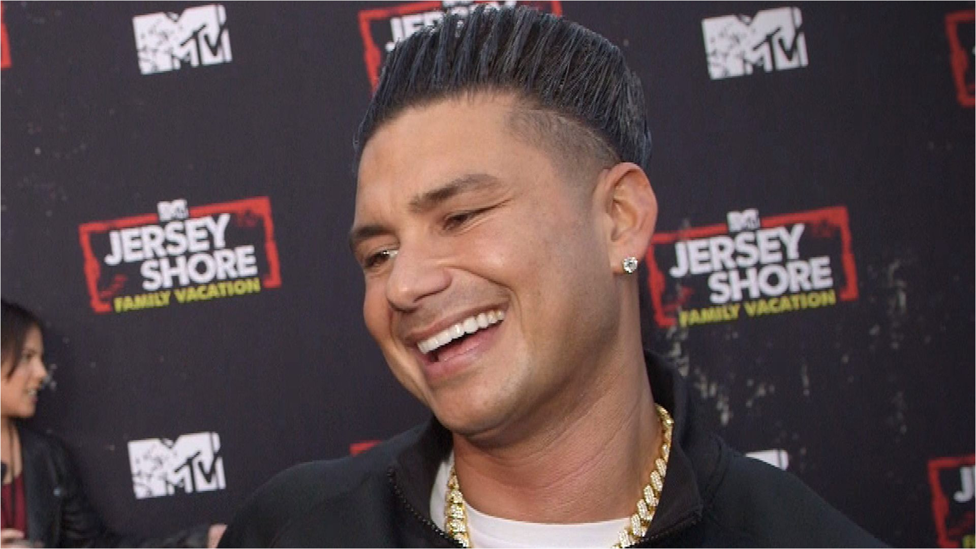 Is Pauly D Married It Sure Looks That Way in Jersey Shore Family Vacation Teaser