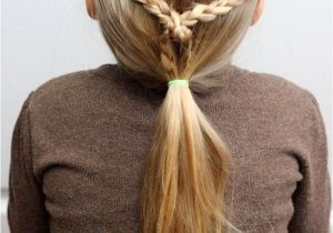 A Perfect Hairstyle for School Easy Hairdos for Girls Perfect 5 Minute Dos for School Days
