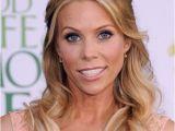 Blonde Hair Up Hairstyles Cheryl Hines Long Blonde Hair In Romantic Half Up Hairdo