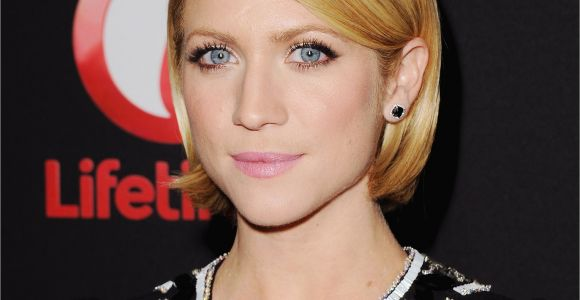 Bob Haircuts Tucked Behind Ears Brittany Snow Wore Her Bob Neatly Tucked Behind Her Ears