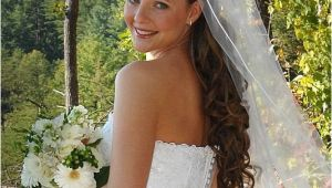 Bride Hairstyles Down with Veil and Tiara Updos with Headbands for Bride