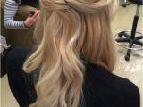 Bridesmaid Hairstyles Down Pinterest Everyone S Favorite Half Up Half Down Hairstyles 0271