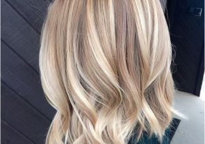 Chin Length Blonde Hairstyles Med Bob Hairstyles Blonde Medium Hairstyles Facial Hairstyle 0d