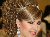 Cool Easy Hairstyles for Curly Hair Easy Curly Hairstyles to Do at Home Fave Hairstyles