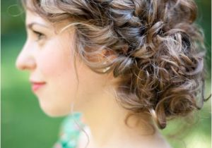 Curly Wedding Updo Hairstyles 29 Charming Bride S Wedding Hairstyles for Naturally Curly