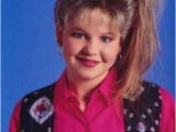 Cute Easy 90s Hairstyles D J Tanner S Frosted Side Ponytail Early 90s Fashion