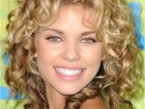 Cute Hairstyles to Do with Curly Hair How to Do Cute Hairstyles for Long Curly Hair Hairstyles