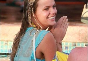 Cute Hairstyles to Wear to the Beach Easy Summer Hairstyles for the Beach or Pool