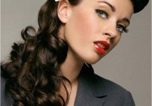 Easy 1940s Hairstyles for Curly Hair Vintage Hairstyles with Bows for Long Curly Hair