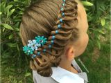 Easy Hairstyles for New Mums Mom Braids Unbelievably Intricate Hairstyles Every Morning