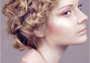 Easy Hairstyles for Wavy Frizzy Hair 15 Easy Hairstyles for Short Curly Hair