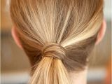 Easy Hairstyles with Only A Hair Tie 24 astuces Super Simples Pour Vous Coiffer tous Les Jours