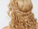 Easy Half Up Hairstyles for Curly Hair 36 Curly Prom Hairstyles that Will Make Heads Turn