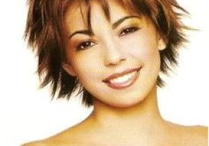 Easy to Do Hairstyles for Short Layered Hair Really Love This Short Shag Lots Of Fun with the Three Colors Also