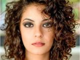 Everyday Hairstyles for Wavy Frizzy Hair 21 Everyday Hairstyle for Shoulder Length Hair 2018 27