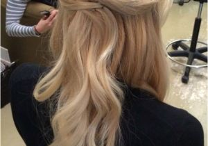 Formal Hairstyles Loose Curls Everyone S Favorite Half Up Half Down Hairstyles 0271