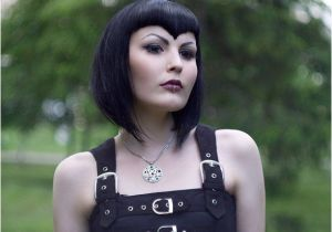 Goth Bob Haircut 38 Best Gothic Bob Hairstyles Images On Pinterest