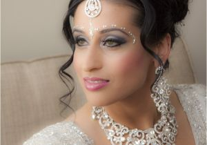 Hairstyle In Indian Wedding Indian Bridal Makeup Wear Hairstyles Dresses Jewellery