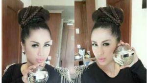 Hairstyles Artis Indonesia Ada Lagi Artis Indonesia Yang Pakai Fm Fm 323 Dengan Aroma Yang