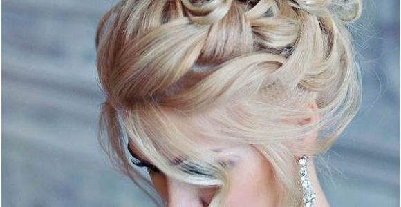 Hairstyles for A Summer Wedding Different Bridal Hairstyle Ideas for Summer Weddings
