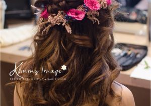 Hairstyles for Curly Hair while Wearing Saree Dreamy Flowery Hairstyle Makeup and Hairstyles Pinterest