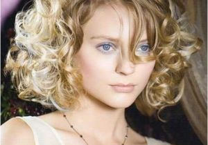 Hairstyles for Curly Hair Women Round Face 50 Most Flattering Hairstyles for Round Faces Fave