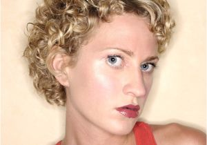 Hairstyles for Curly Permed Hair Fixing A Perm that is too Curly