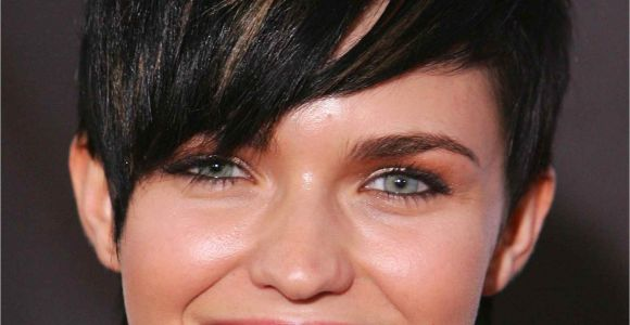 Hairstyles for Girls with Big Ears the Best Hairstyles for Women Of Every Body Type